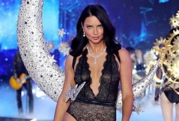 Emir Uyar Sonrası Adriana Lima'nın İlgi Çeken Paylaşımları!