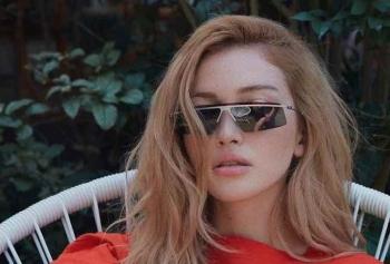 Danla Bilic'ten Her Yıl Yaz Aşkı Bulan Kız Makyajı!