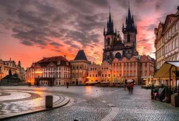 Özüm Sabay Prag'ı Anlattı!