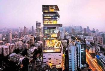 Emre Durmuş Mumbai'de Sokak Lezzetlerini Denedi!