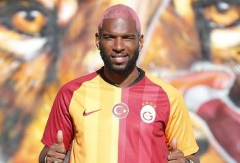 Ryan Babel'den Tepki Çeken Beşiktaş Paylaşımı!