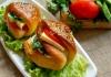 İdil Yazar'dan Poğaça Burger Tarifi!