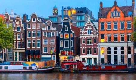 Enfal Diner Amsterdam'da Neler Yaşadı?